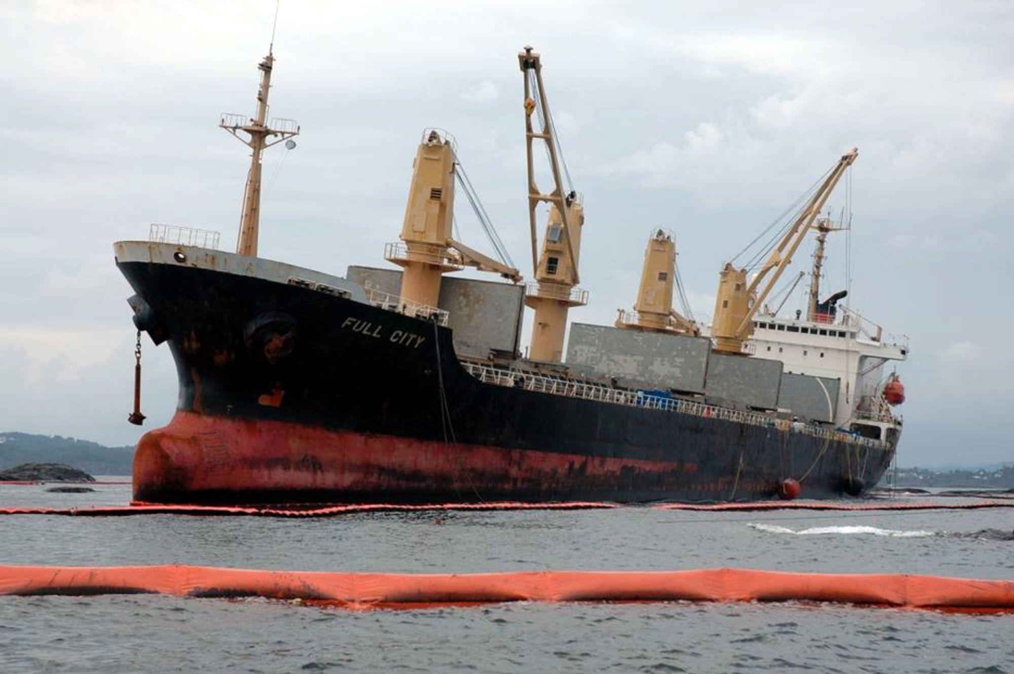 ETT ÅR SIDEN: Det kinesiske lasteskipet «Full City» havarerte utenfor Langesund. Politiet fikk melding om grunnstøtingen klokka halv ett natt til fredag 31. juli 2009.