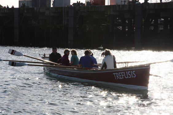 LOS: Pilot boat. Hvert verft hadde sin losbåt. Førstemann ut haiet inn skip til sitt verft i Falmouth. Nå er det vennskapelig kappestrid det øves til.