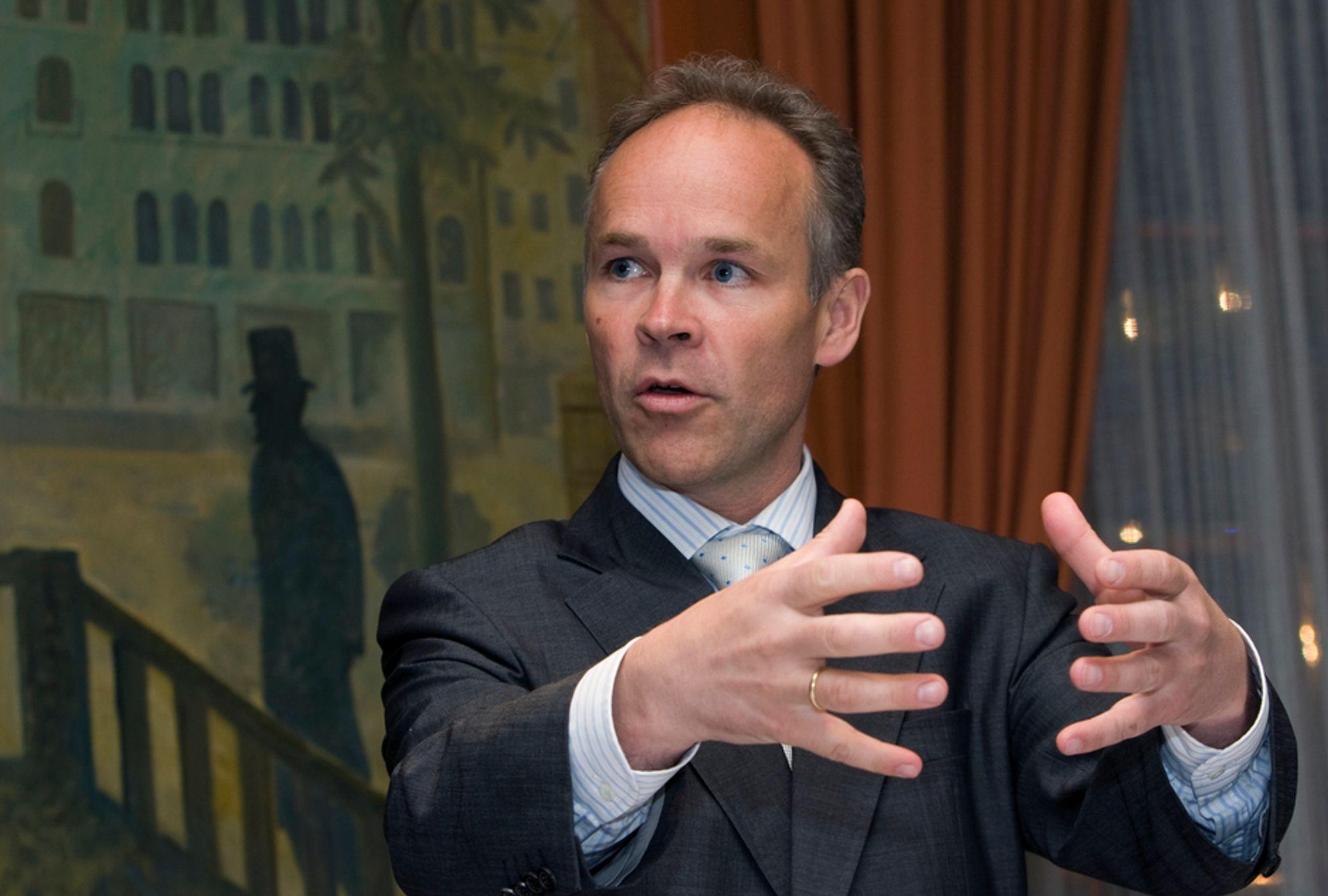 ¿ Ap kommer oss ikke tilstrekkelig i møte, sier nestleder i Høyre, Jan Tore Sanner, om den betente datalagringssaken.