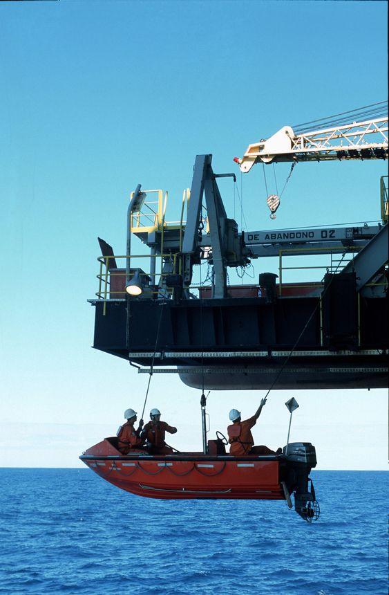 Brasil, Petrobras, plattform, lettbåt, Semi-sub P-26 på Marlim-feltet i Campos-bassenget utenfor Brasil.