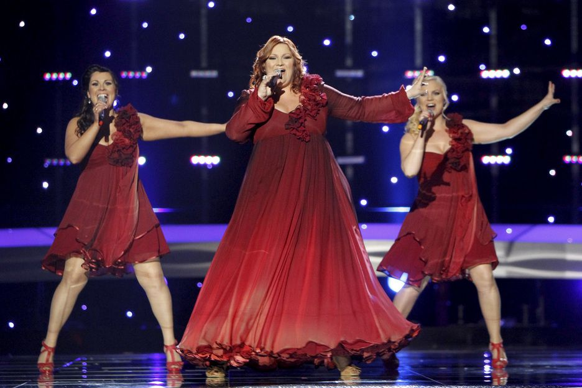 Islandske Hera Björk kvalifiserte seg til finalen i Eurovision Song Contest i går. Men lyden og bildet var usynkronisert for mange svenske seere.
