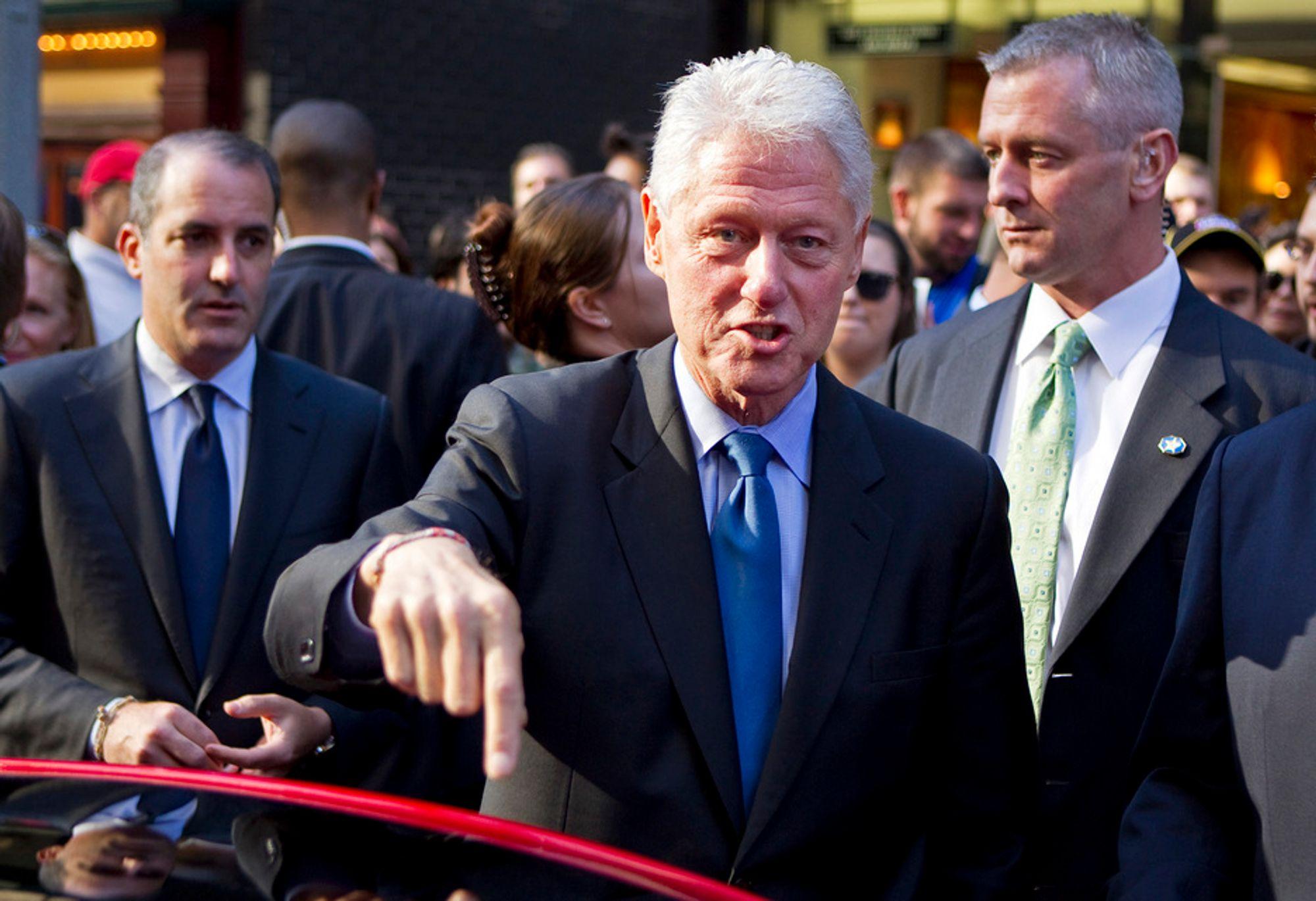 EL-ENTUSIAST: Bill Clinton deltok i diskusjoner om elbilteknologi i New York mandag.