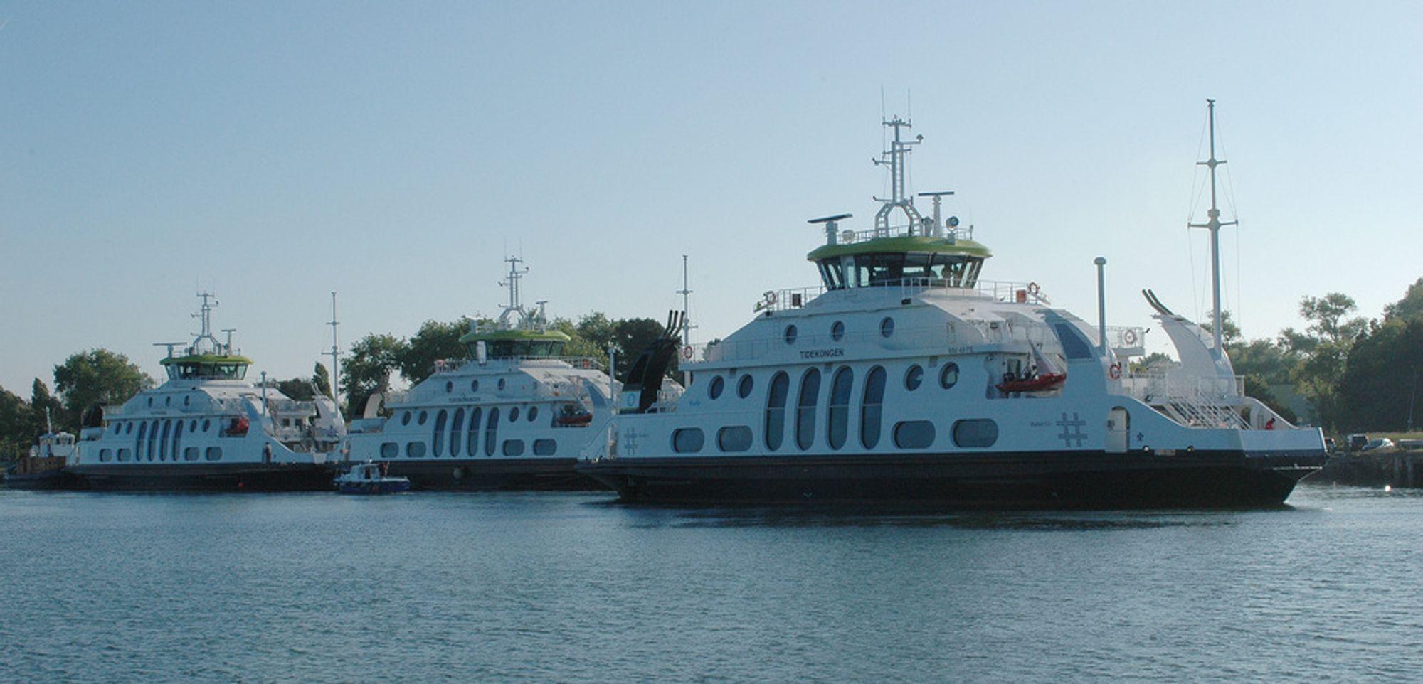 De tre LNG-drevne passasjerfergene Tidekongen, Tidedronningen og  Tideprinsen. Hvert år frakter de ca. 2,6 millioner passasjerer på ruten  Nesodden-Aker Brygge i Oslo.