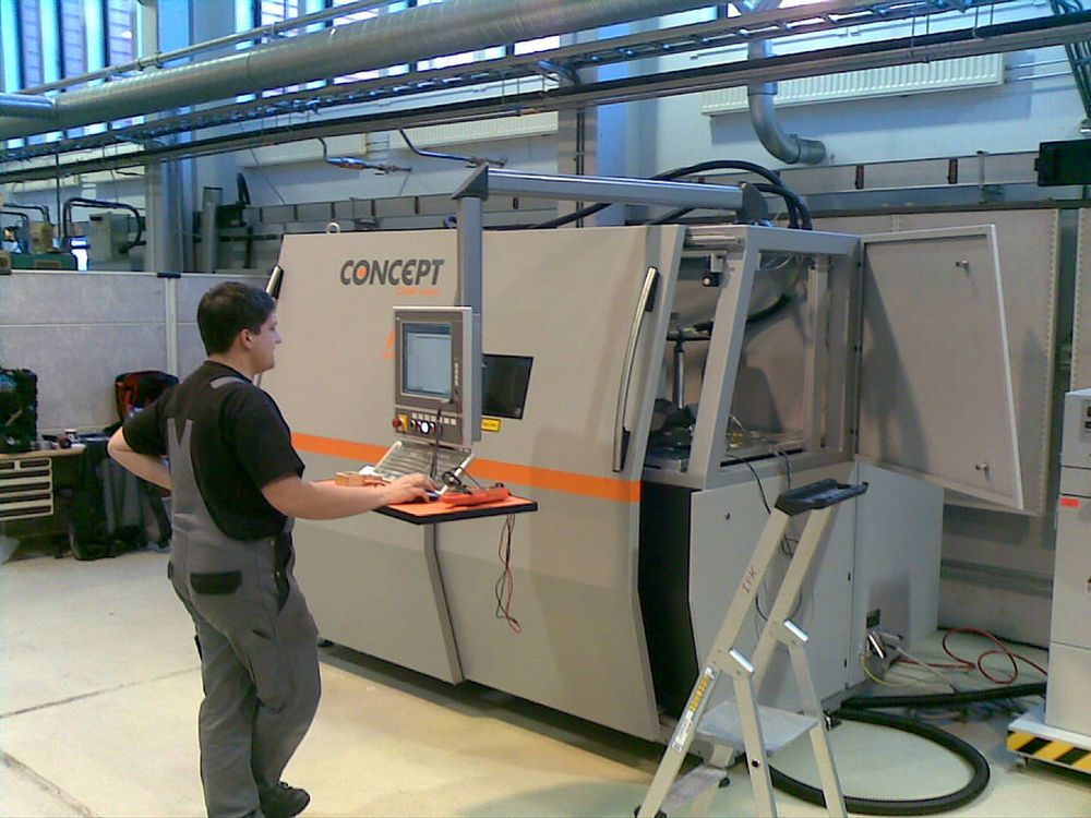 NYTT UTSTYR: Denne maskinen er en viktig del i realiseringen av den hybride tilvirkningscellen som er en av leveransene fra EU-prosjektet IC2.