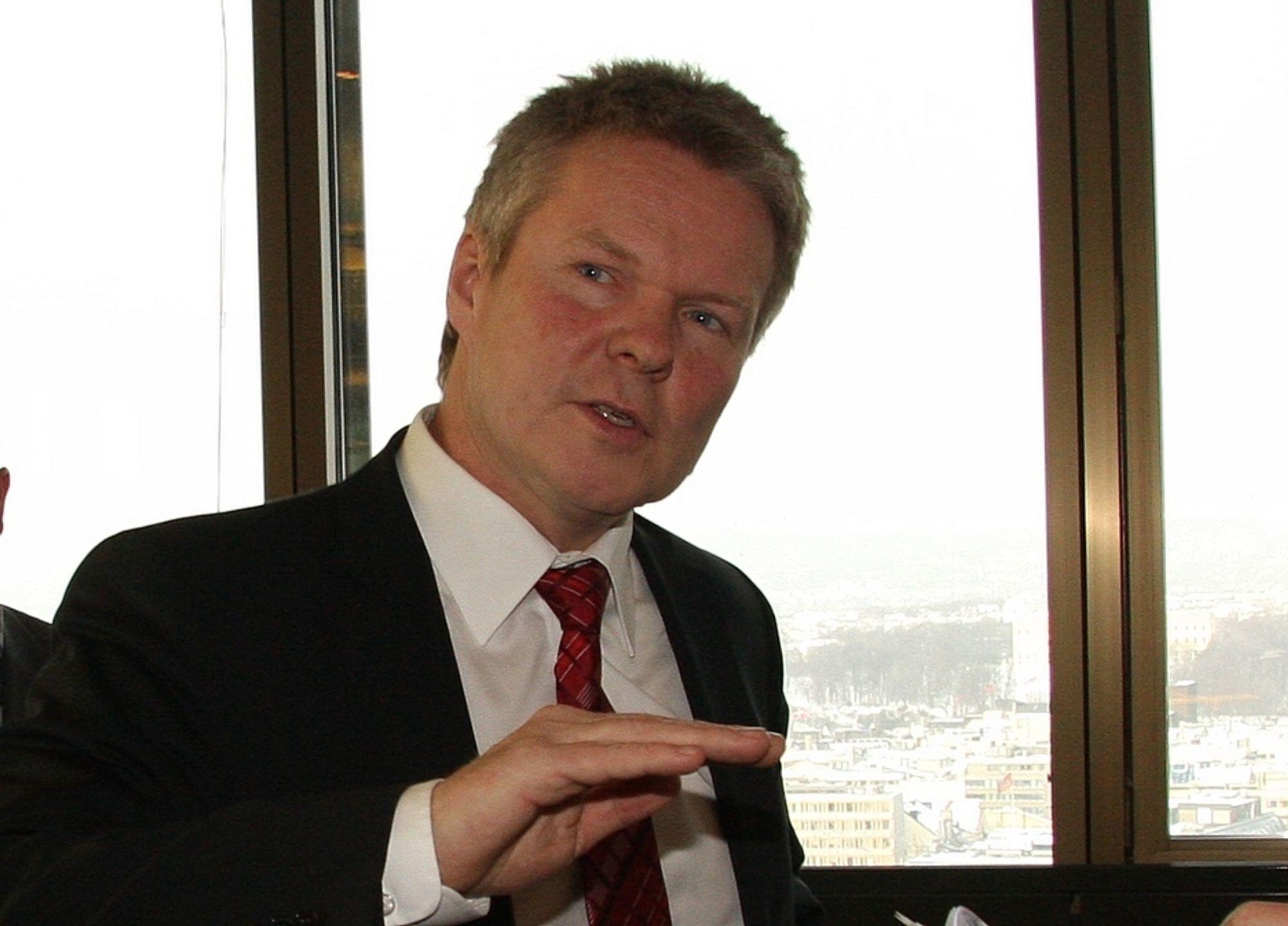SVAKT: Administrerende direktør Terje Mjøs regner med en svak bedring i markedet i 2010, mens en real opptur kommer tidligst neste år.