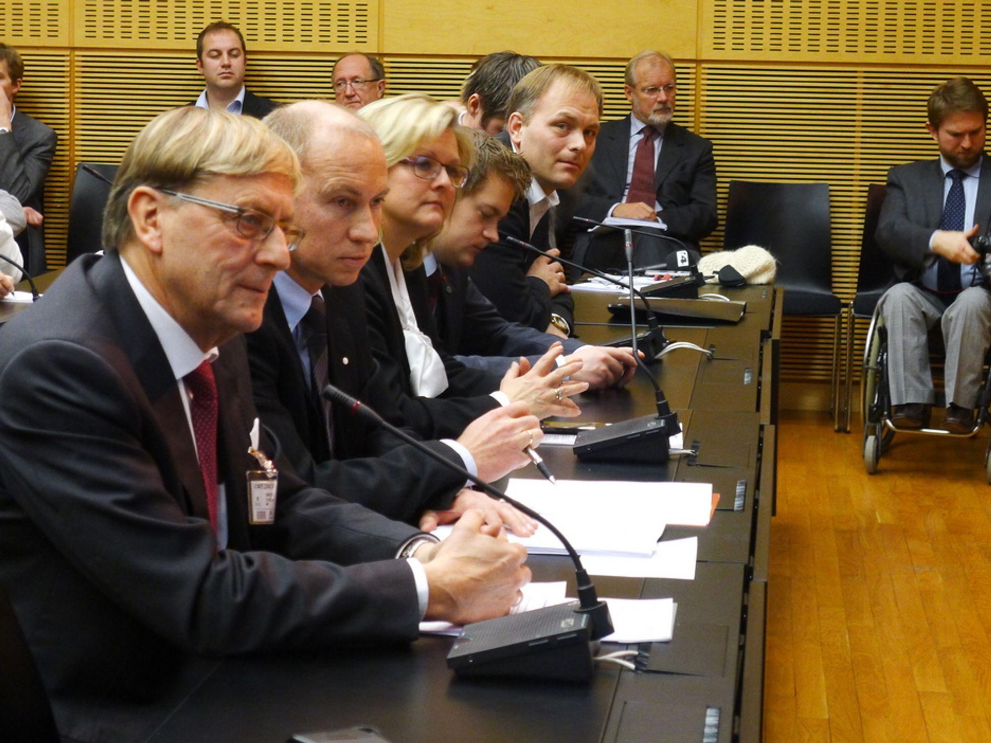 FORNØYDE: Statkrafts styreleder Svein Aaser og konsernsjef  Christian Rynning-Tønnesen  satt på første rad på dagens pressekonferanse.