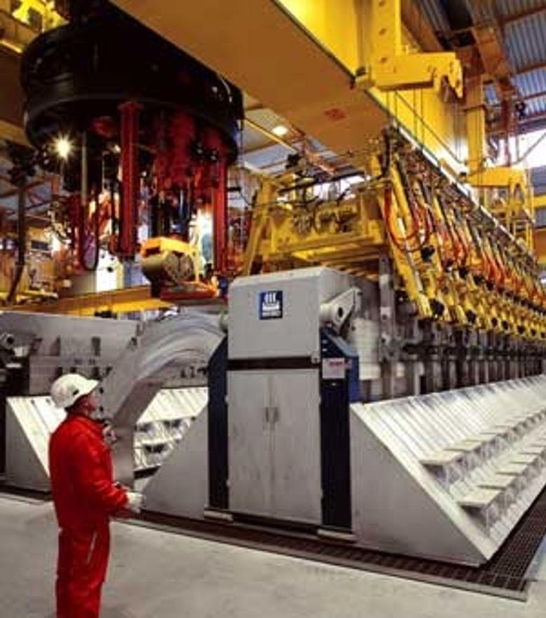 MANGLER KRAFT: Hydro mangler både kraft og etterlyser stabile lave kraftpriser for å kunne ekspandere virksomheten i Norge.