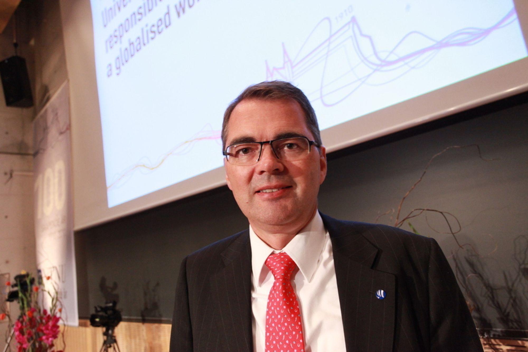 POSITIV: - 2010 var et vendepunkt for Hydro, og 2011 vil markere dette skiftet, sier konsernsjef Svein Richard Brandtzæg  Hydro.