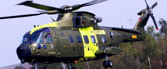 AW101 fra AgustaWestland er én av fem kandidater til å overta som redningshelikopter i Norge. Denne maskinen er i dansk tjeneste.