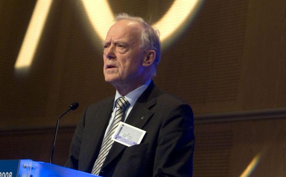 Halvdan Skard, styreleder i Kommunenes sentralforbund, mener finansminister Sigbjørn Johnsen må tildele kommunene 5,5 milliarder kroner ekstra neste år.