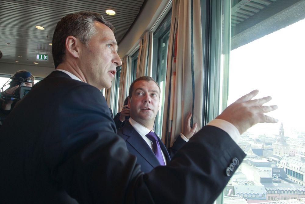 Den russiske presidenten Dmitrij Medvedev og statsminister Jens Stoltenberg ble i går enige om en delelinje i Barentshavet.