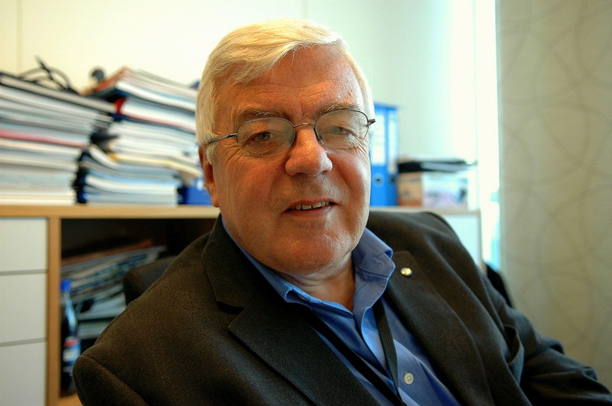 KJÆRKOMMENT: - En ny plattform på Snorre kan bety kjærkomne oppdrag for byggeverkstedene. De har lite å gjøre for tiden, sier Rolf Hestenes.