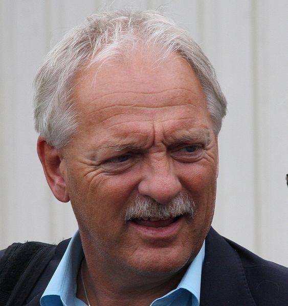 Fylkesrådsleder Odd Eriksen (Ap), Nordland fylkeskommune. Fra åpningen av ljebasen i Sandnessjøen 13. august 2010.