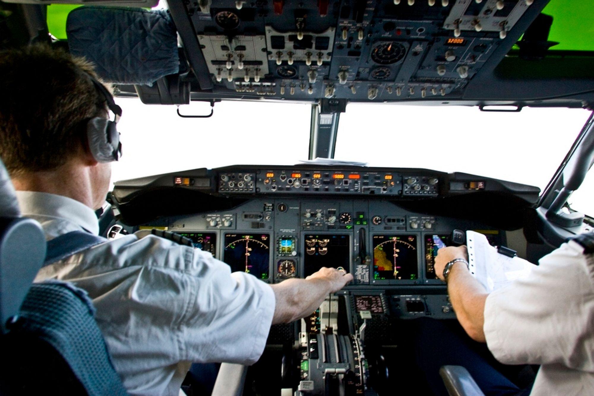 LIKER IKKE: Pilotene vil være sikre på at luftrommet er trygt med lav askekonsentrasjon. De liker ikke at flyselskapene får vurdere situasjonen selv.