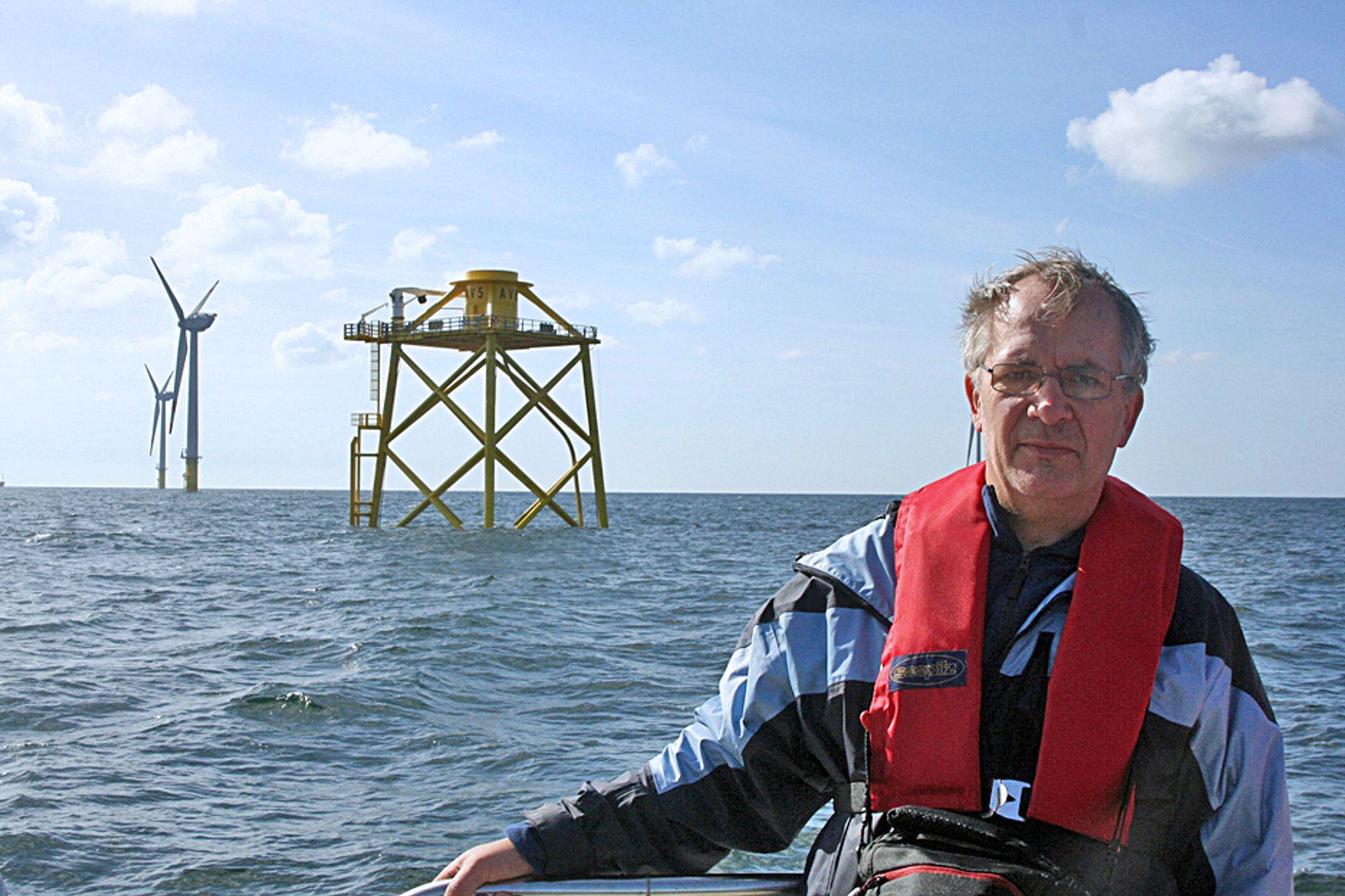 Per Bull Haugsøen og OWEC Tower er tildelt årets Energigründerpris. Her er han ved et av de seks fundamentene på prosjektet alpha ventus i Tyskland.