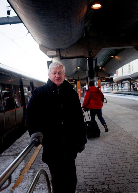 JERNBANEMANN: - Jeg har god bakgrunn for å uttale meg om norsk jernbane, blant annet fordi jeg kjenner godt til spillet mellom departement og Storting, sier Osmund Ueland.