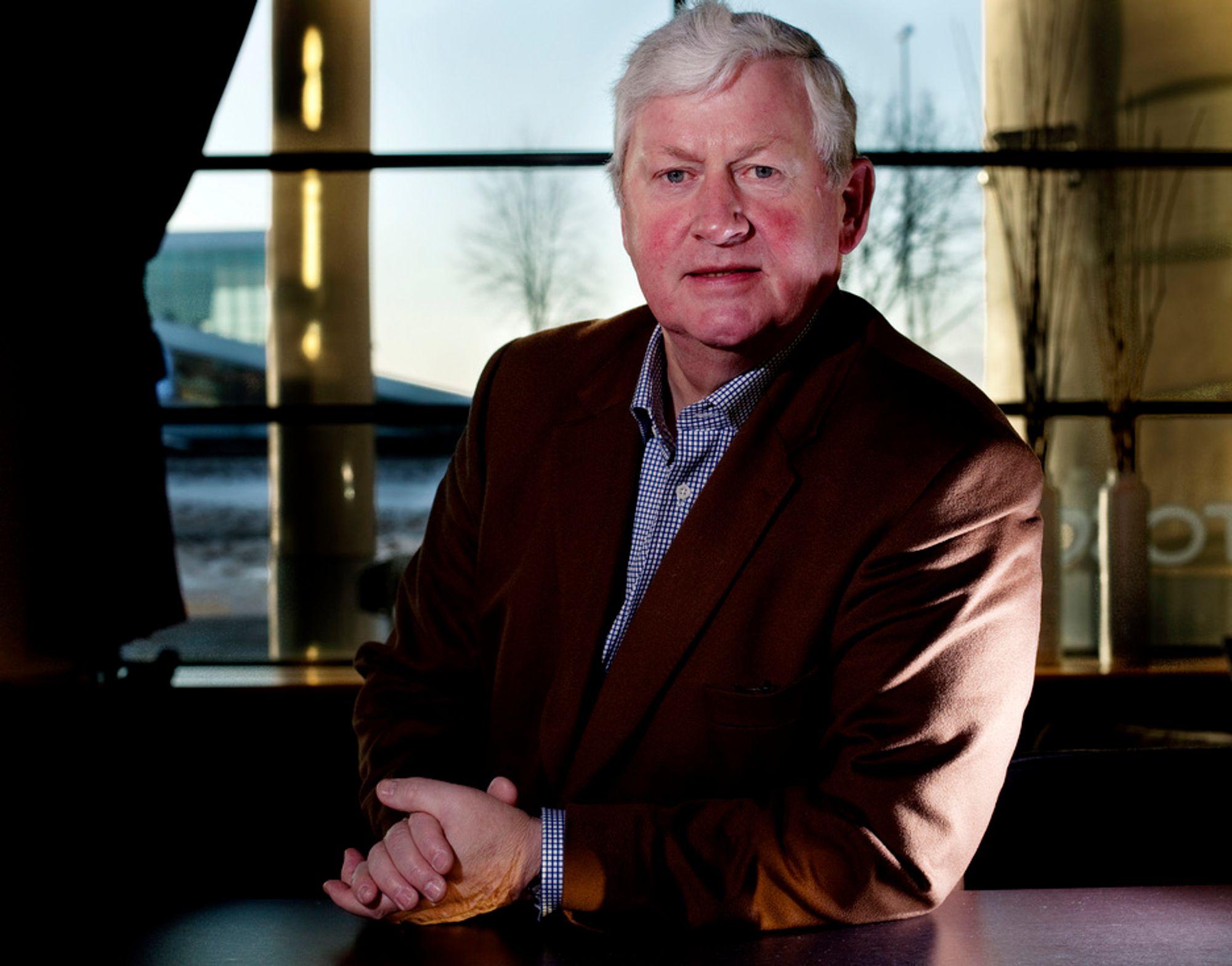 VIL HA FORTGANG: Osmund Ueland mener det er en skam at intercity-arbeidet nesten ikke har kommet lenger i dag enn da han var NSB-sjef.