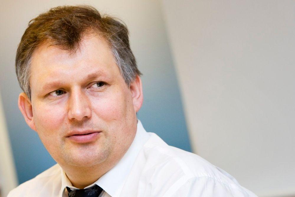 ENDELIG: Olje- og energiminister Terje Riis-Johansen innrømmer nå at vindkraftmålet ikke nås.