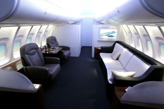 Oppe på andre dekk som er blitt 5,6 meter lengre i den nye 747-8.