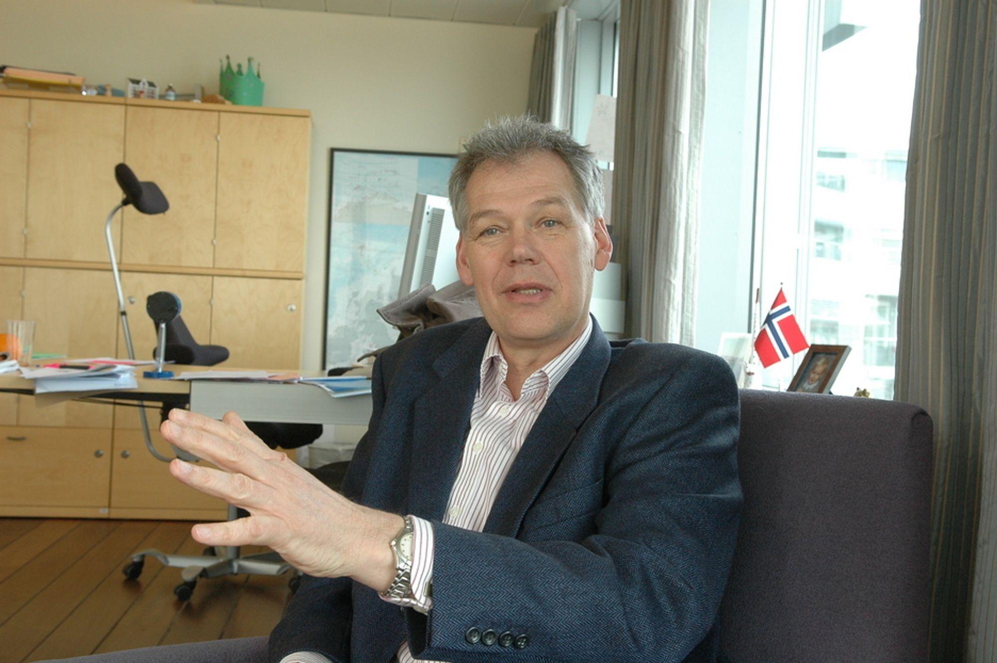 MER TIL PETROLEUMSFORSKNINGEN: - Det er kanskje viktigere enn noen gang nå å bevilge mer penger til petroleumsforskningen skal ressursene på norsk sokkel utnyttes, sier Hugo Sandal.