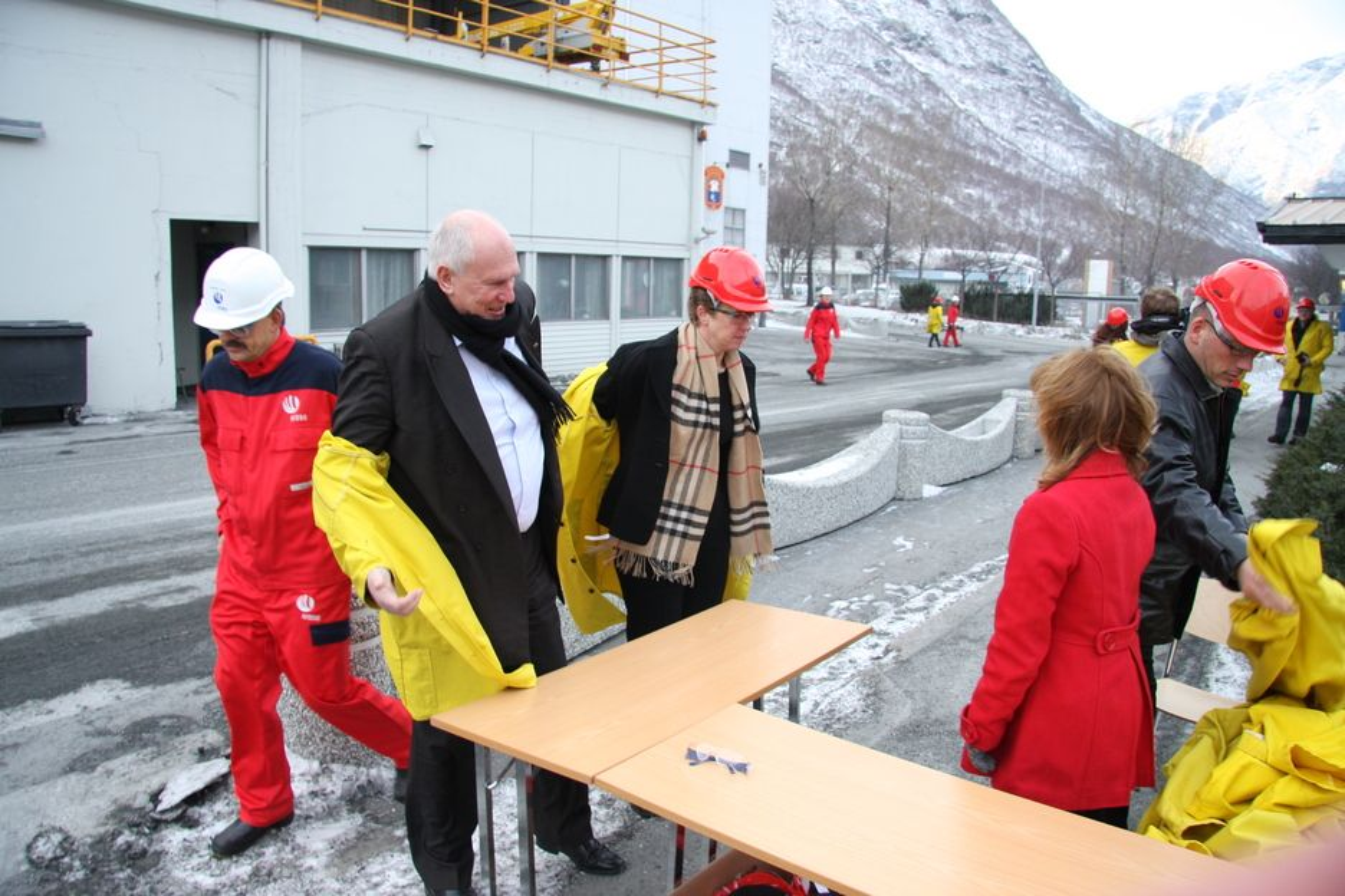 INVESTERINGER: LO-leder Roar Flåthen krever at Hydro-direktør Hilde Merete Aasheim investerer i Årdal og andre norske aluminiumsverk.