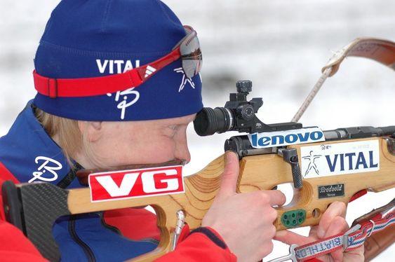 Skiskytter Tora Berger ser fram til å holde kontakt med hjemmebasen mens hun er i Torino.
