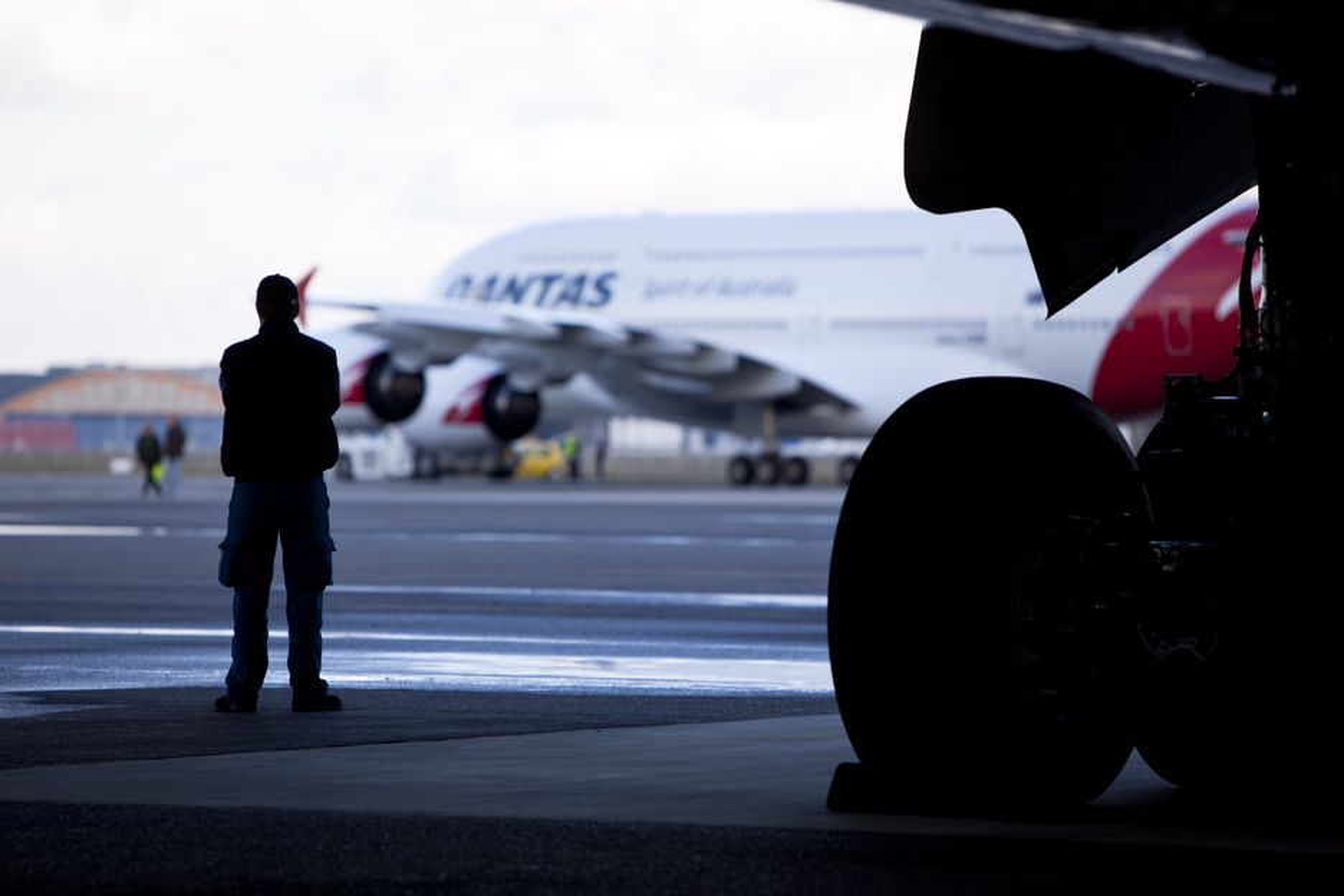 SER FRAMOVER: Motoreksplosjonen på en Qantas-superjumbo i november påførte Airbus en omdømmekrise.