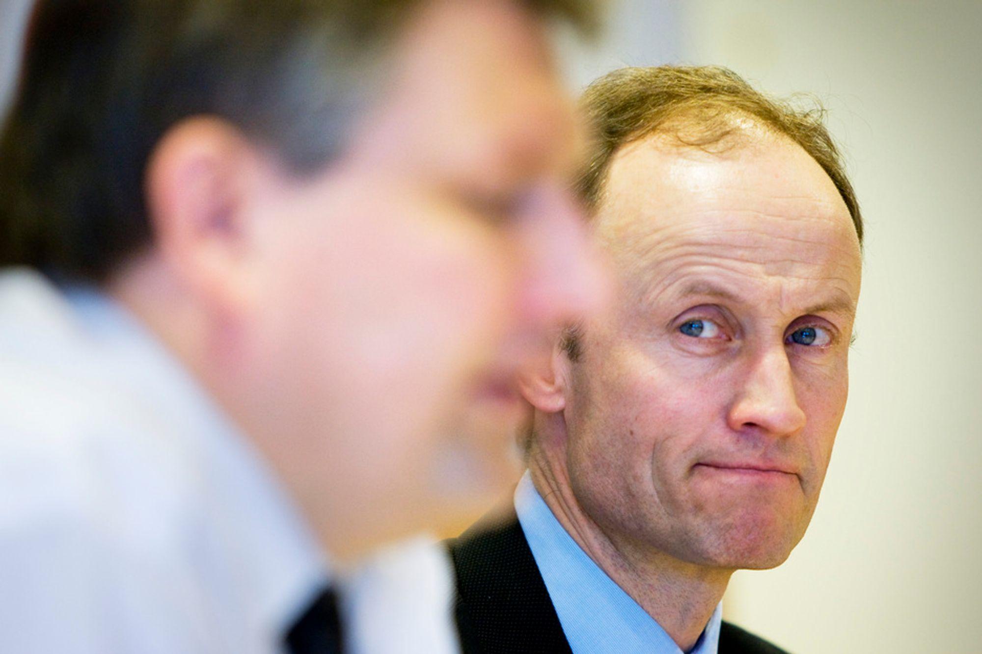 KRITISERES: Enova-sjef Nils Kristian Nakstad får sterk kritikk av Riksrevisjonen. Nå krever opposjonspolitikere at statsråd Tere Riis-Johansen tar tak i Enova.
