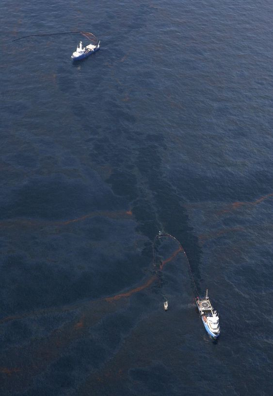 Flere titalls kilometer med oljelenser var ikke nok til å forhindre at oljesølet fra den havarerte boreplattformen Deepwater Horizon i Mexicogolfen nådde land i Louisiana.
