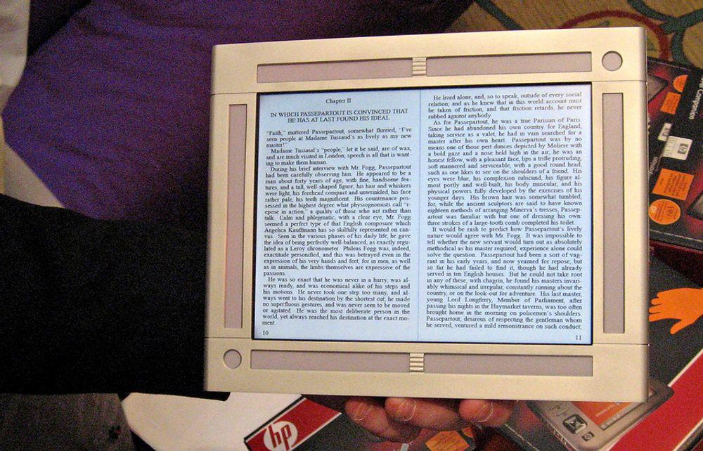 E-BOK Om noen år vil elektroniske bøker være den foretrukne lesemåten. Akkurat som digitale kameraer har erstattet filmbaserte.