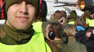 BILDESERIE: Luftforsvarets kamp om realfaglig ungdom