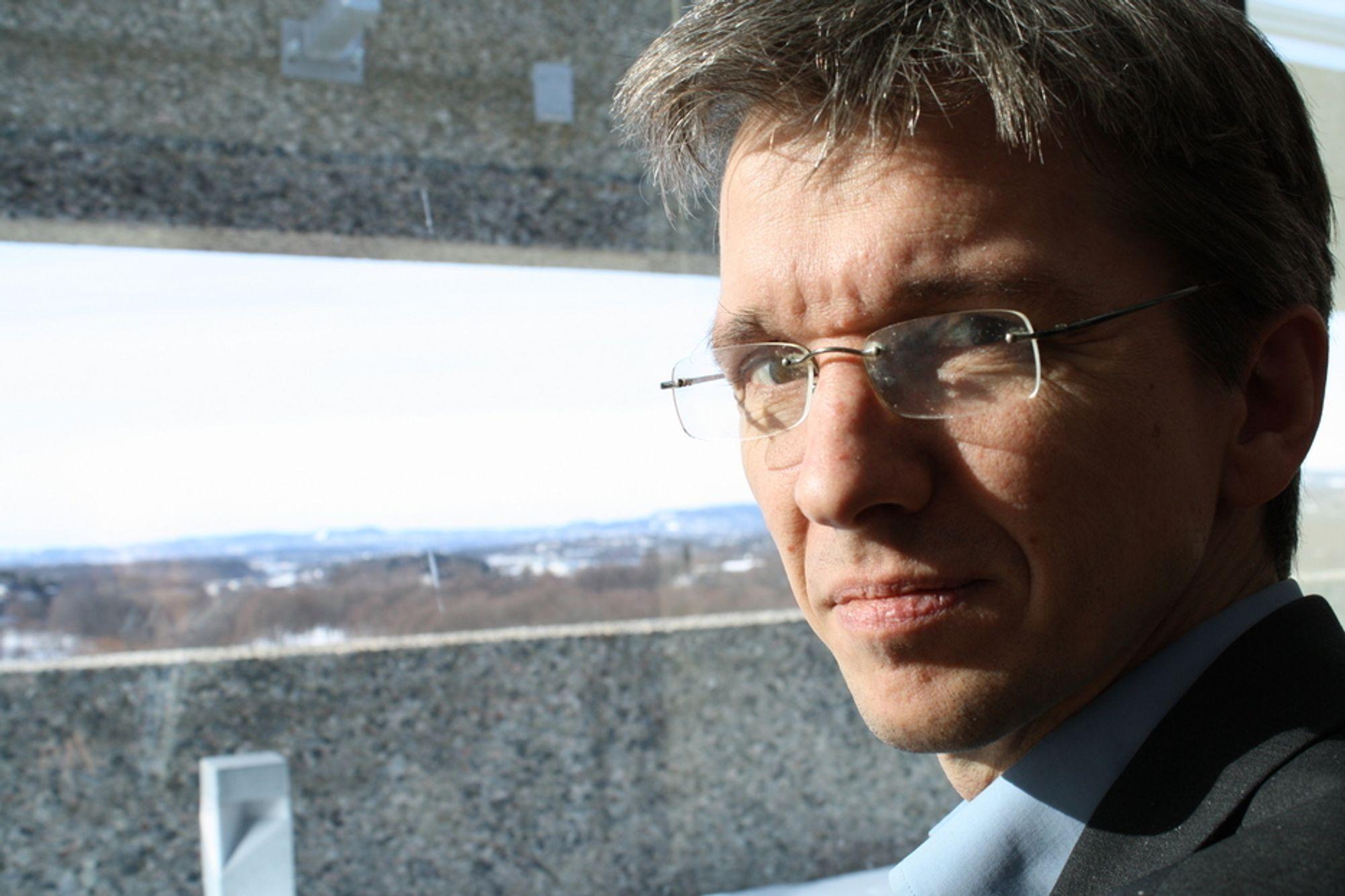 LITE FREMTIDSRETTET: I Norge snakker man om å bevare kompetanse og arbeidsplasser. I utlandet handler det mest om å skape nye, illustrerer Abelia-leder Paul Chaffey.
