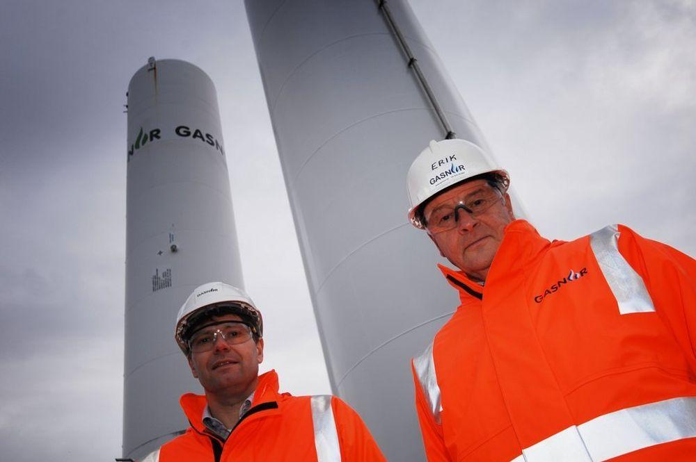INGEN DRAMATIKK: Eilef Stange (til venstre) har registert at Gasnor er i ferd med å få nye eiere. - Det er ingen dramatikk i eierskiftet, mener han.
