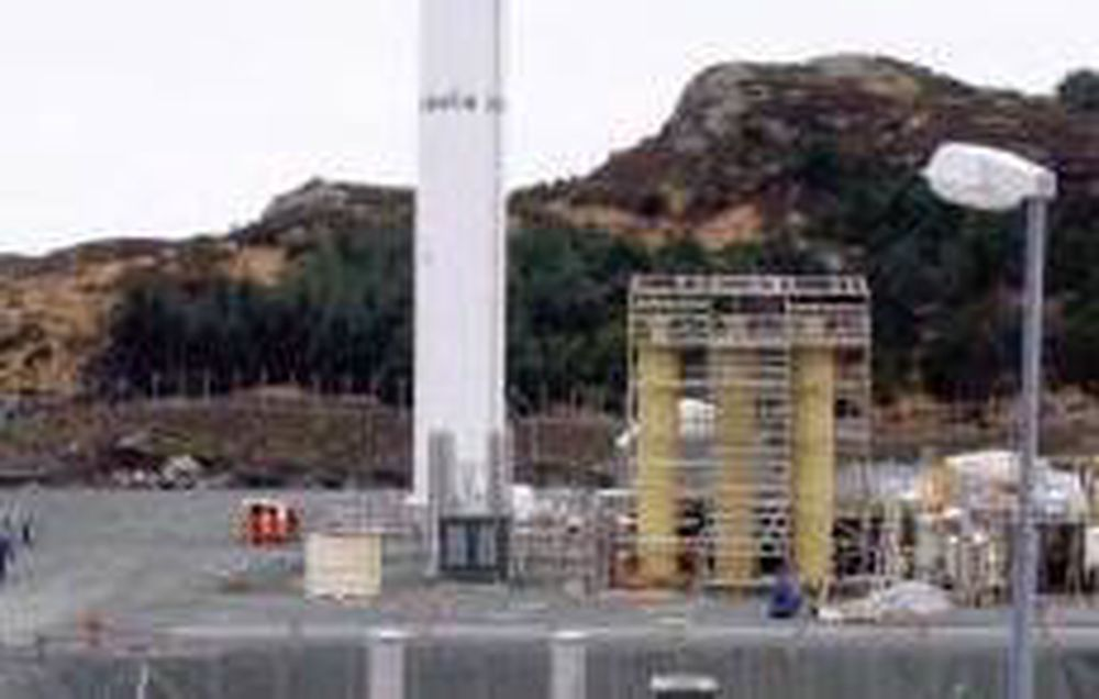 60 KUBIKK OM DAGEN: Gassnors LNG-anlegg på Snurrevarden leverer 60 m3 LNG daglig. Distribusjon gjøres med  bil.