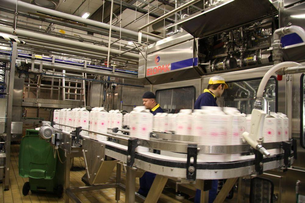 MANUELT: Det er ikke mye arbeid som gjøres manuelt på Norges første helautomatiserte meieri, på Kalbakken i Oslo.