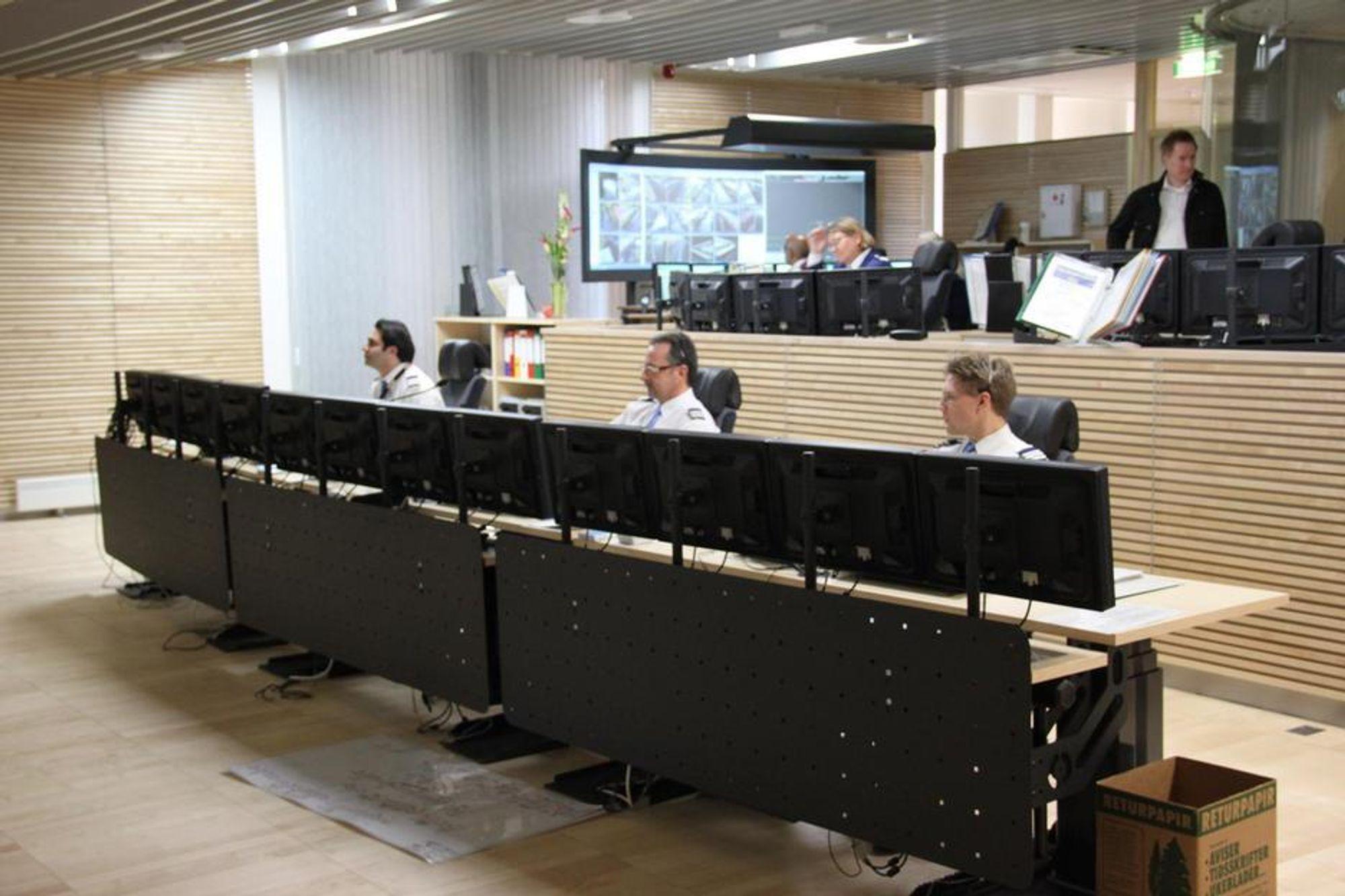MIKROBLOGGERE: På driftssentralen ved Oslo T-banedrift brukes mikroblogging aktivt for å spre oppdatert informasjon hurtigst mulig.