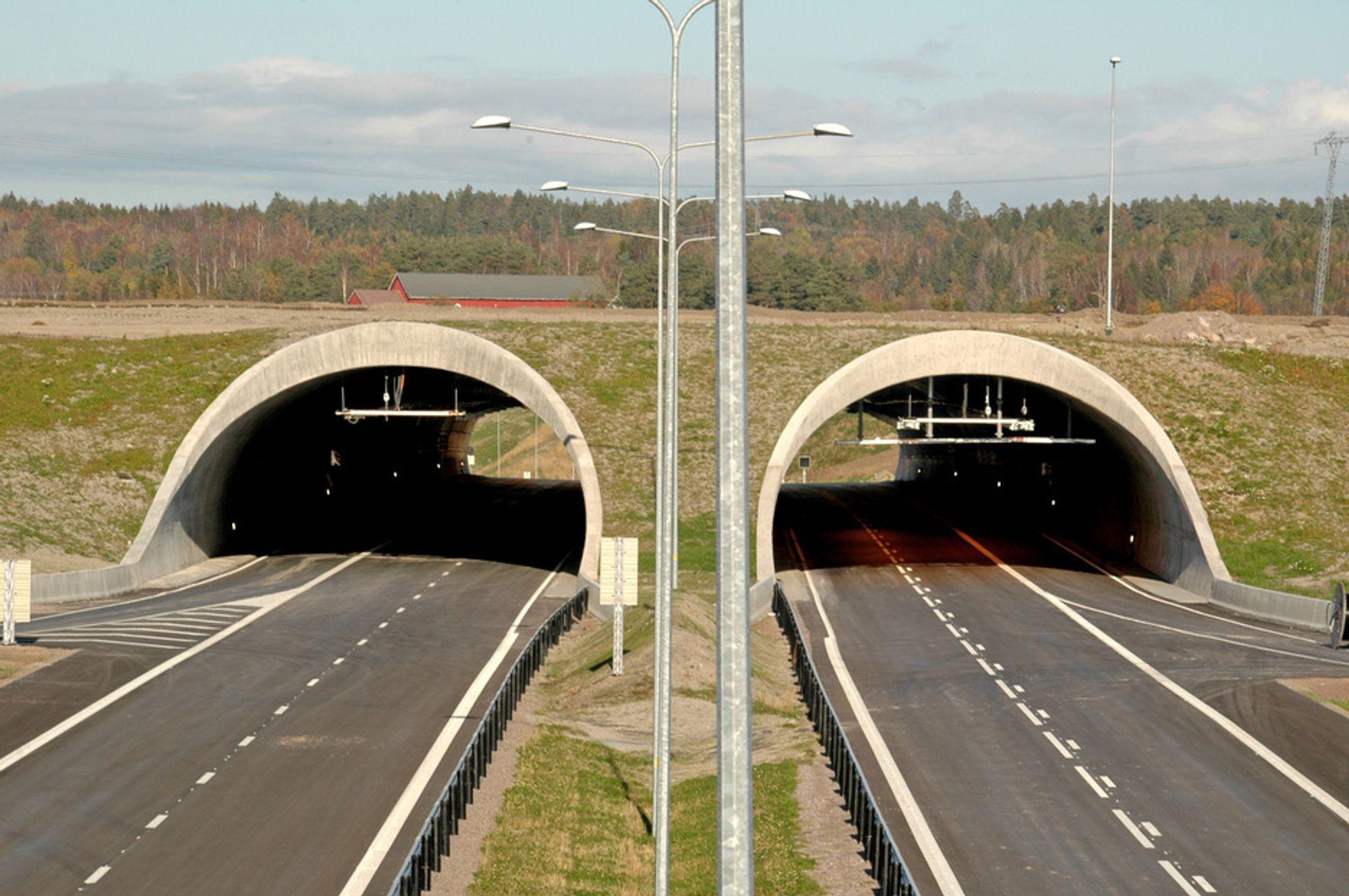FIRE FELT: Vegvesenets mål er sammenhengende firefelts motorveg gjennom Vestfold, og gjennomgående motorvei fra Oslo til Kristiansand. Bildet viser Gulli miljøtunnel på strekningen Kopstad - Gulli.