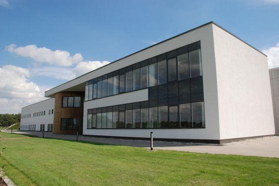 Genans granulatfabrikk i Dorsten stod ferdig i 2008 og kostet 400 millioner kroner. Kapasiteten er hele 65 000 tonn dekk i året.