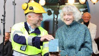 92-åring åpnet Måren kraftverk