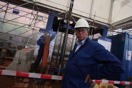 Billig: Utviklings- og strategidirektør i Badger Explorer, Kjell Markman, sier kostnadsbesparelsene ved bruk av boreroboten vil være vesentlige - selv om maskinen til anslagsvis 15 millioner dollar går tapt for alltid.