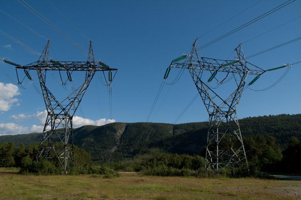 Statnett er bekymret for energisituasjonen i vinter, og kjøper derfor opsjoner for 1100 GWh fra norske industribedrifter.