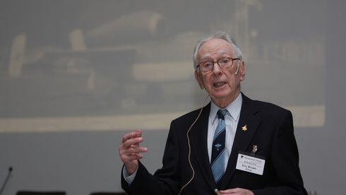 Testpilot Eric «Winkle» Brown (91): Luftens levende legende