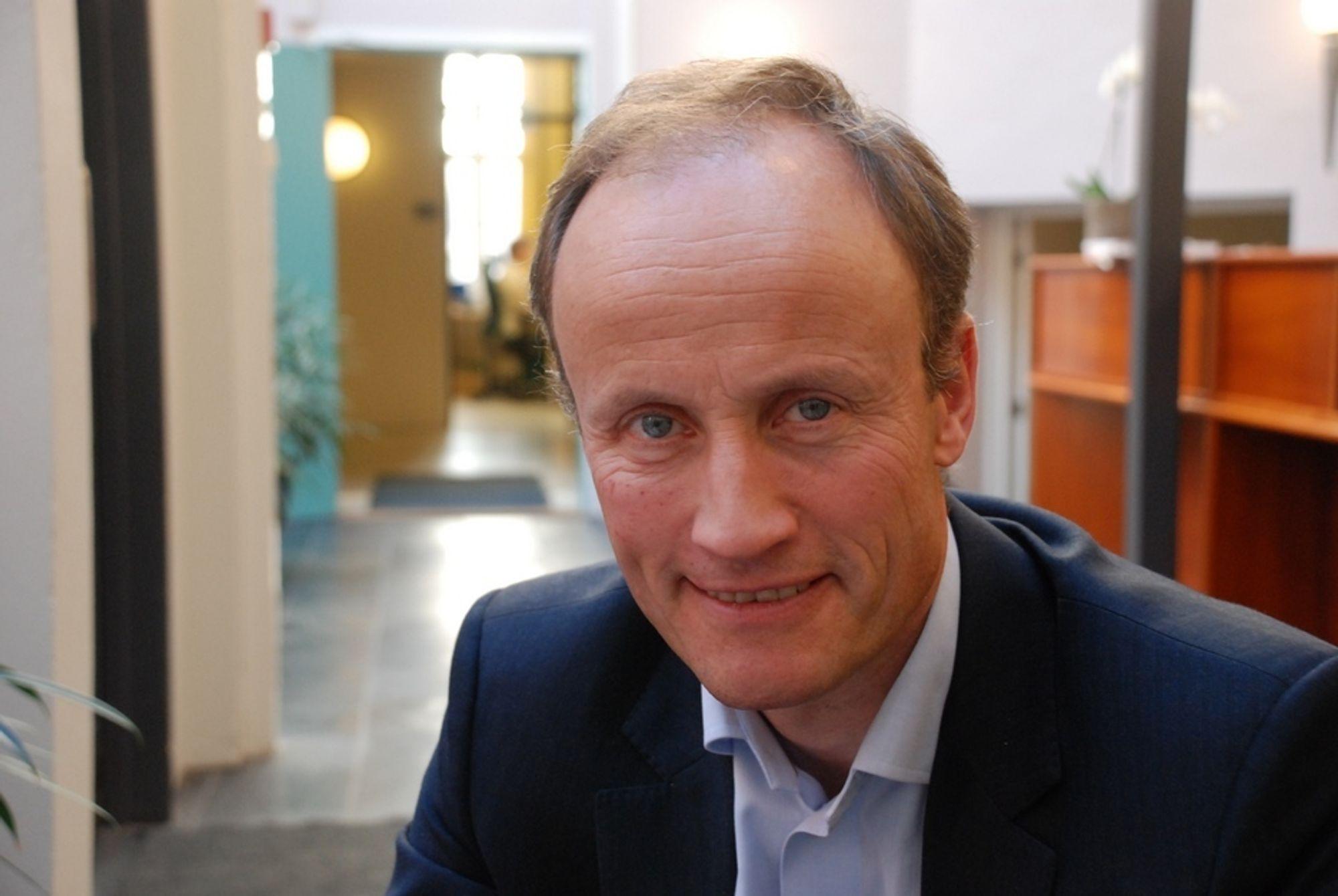 KRITISK: Enova-direktør Nils Kristian Nakstad frykter forutsetningen om at elektrisitet i Norge er klimanøytralt kan gi grunnlag for feilvurderinger i klimapolitikken.