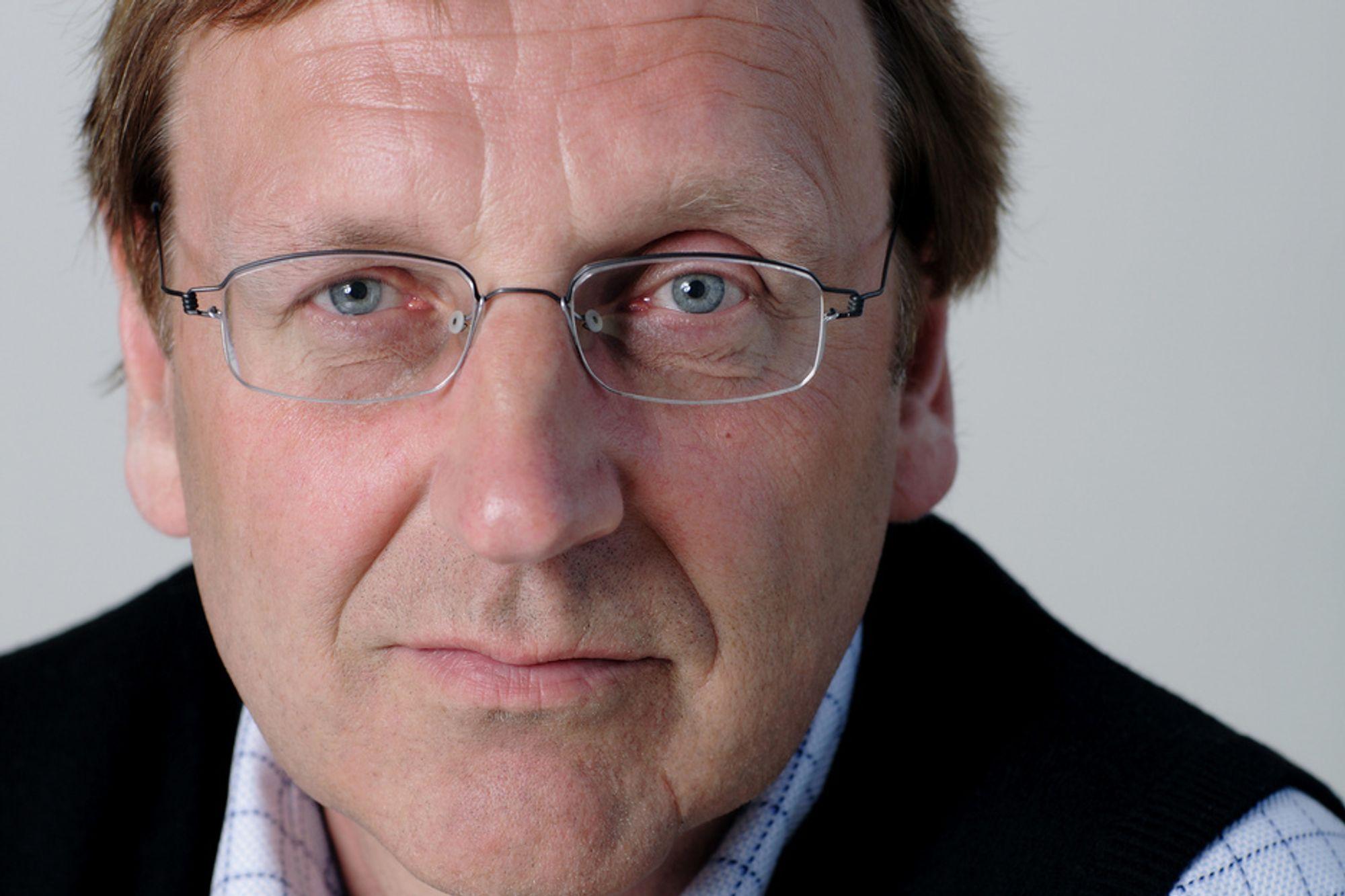 Ansvarlig redaktør Tormod Haugstad mener man heller bør være føre var enn etterpåklok når det gjelder sikring av informasjon på arbeidsplassen.