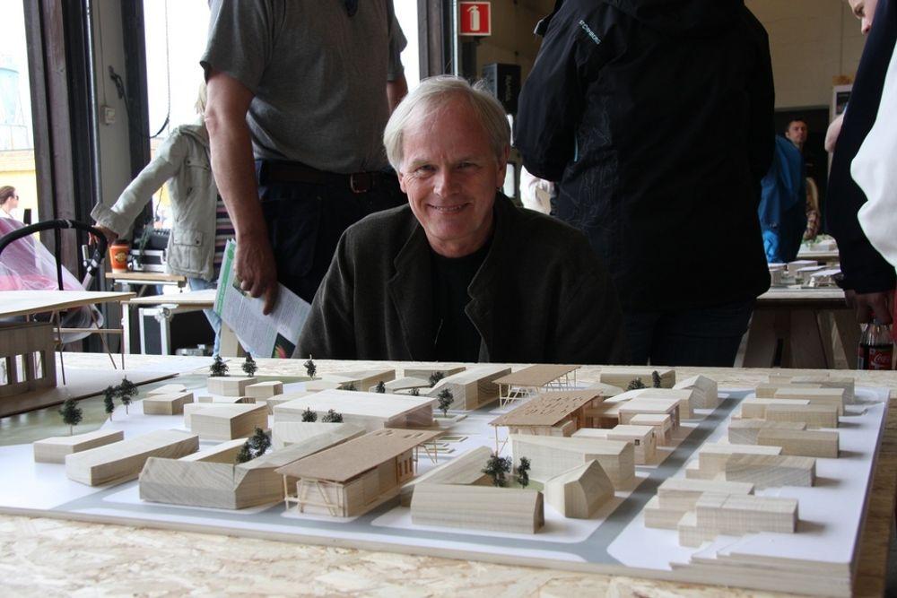 FORNØYD: - Vi har fått det vi håpet ut av dette, vi har jobbet friere og mer reellt enn i et realistisk oppdrag, samtidig som prosjektet er under utvikling, sier førsteamanuensis Marius Nygaard ved Arkitekt- og designhøgskolen i Oslo.