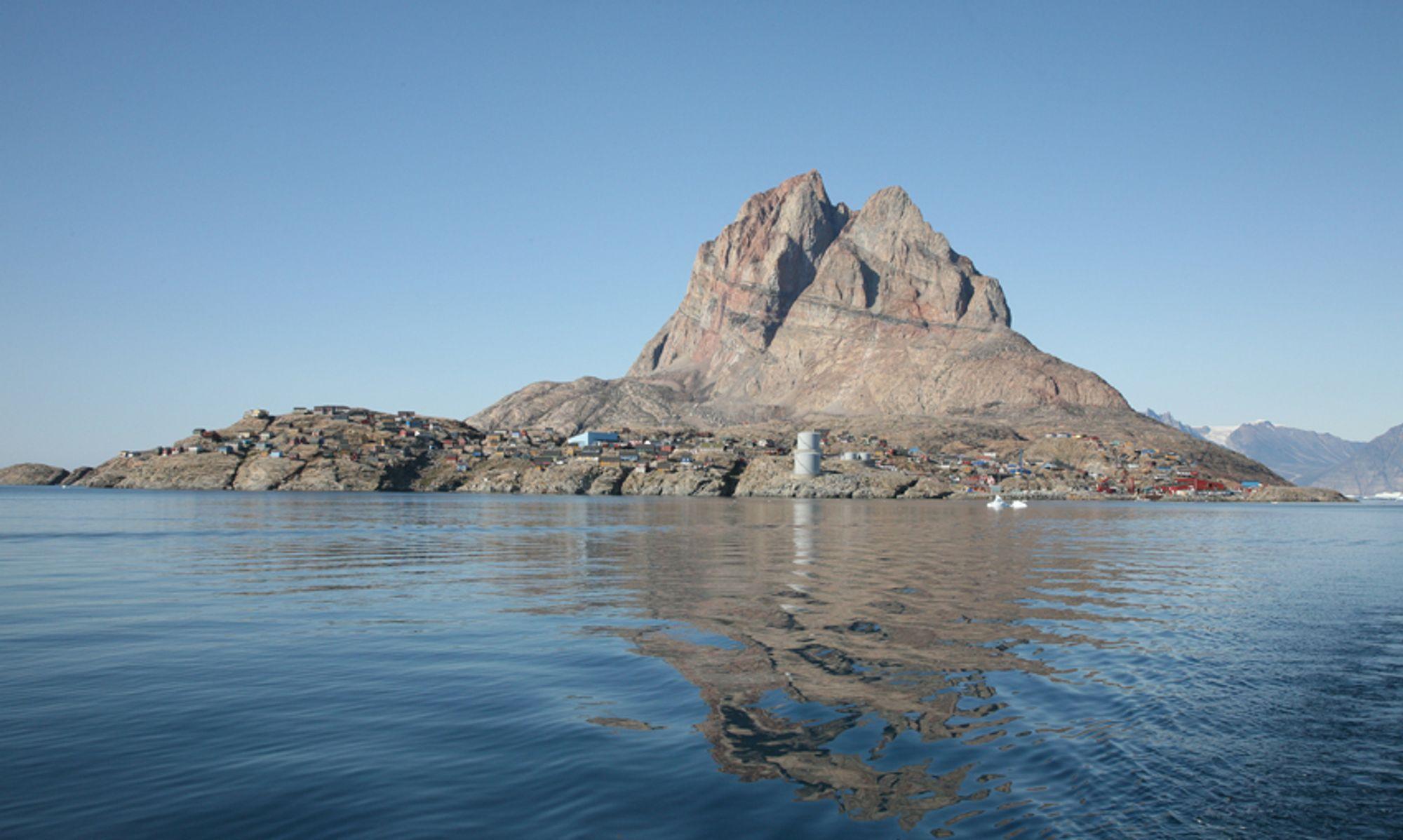 JA ELLER NEI: I morgen forteller skotske Cairn Energy om de har funnet olje utenfor Grønland eller ikke. Bildet er fra Uummannaq.