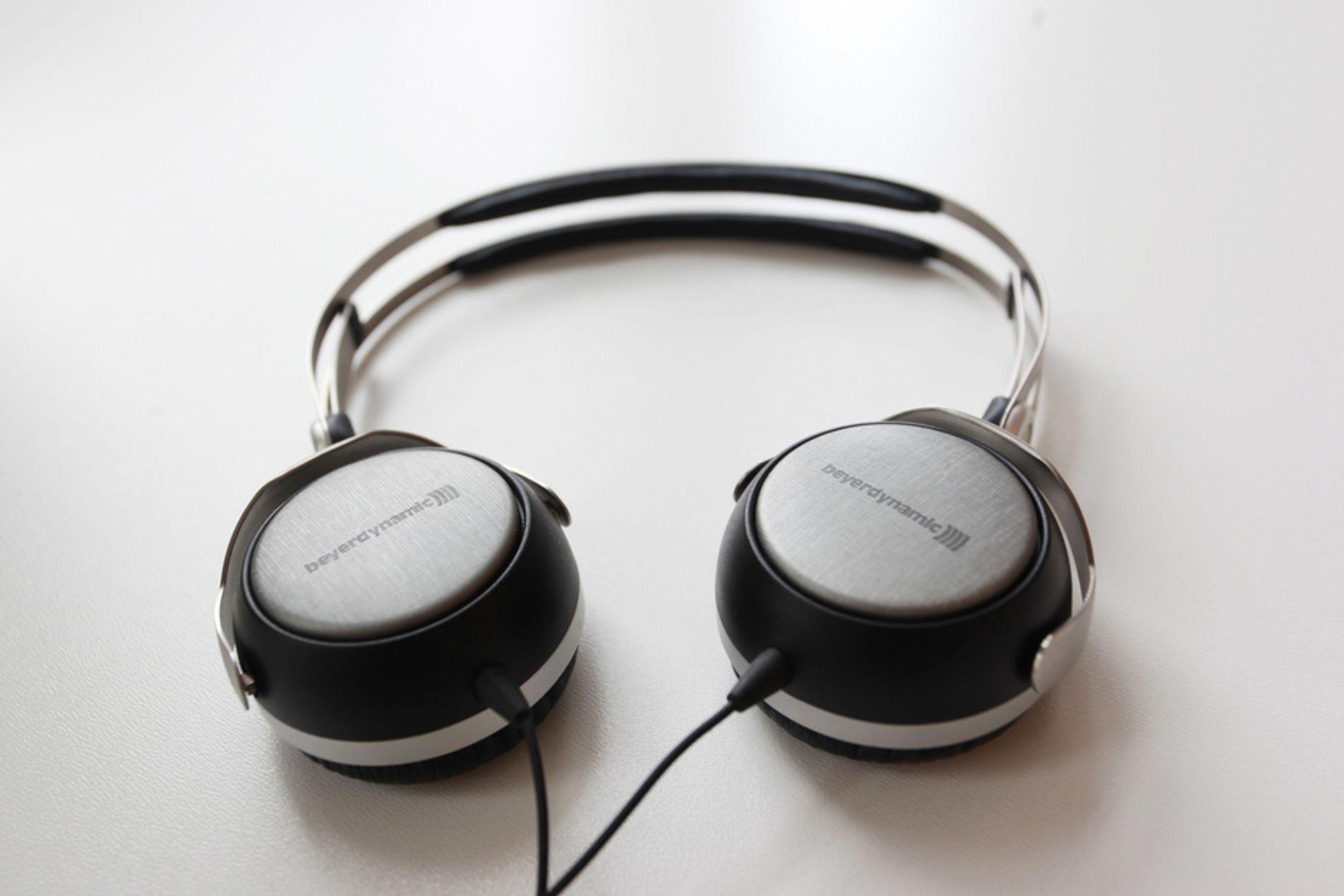 BÆRBAR: Beyerdynamic T50P er tyskernes første forsøk på en portabel hodetelefon.