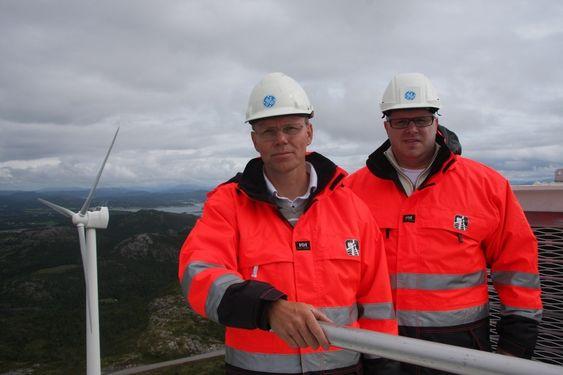 SATSER: Direktør Eystein Aspesletten i GE Energy Norge.  og Kristian Holm, operasjonsleder i GE Wind Energy AS i Verdal har stor tro på den nye ScanWindturbinen.