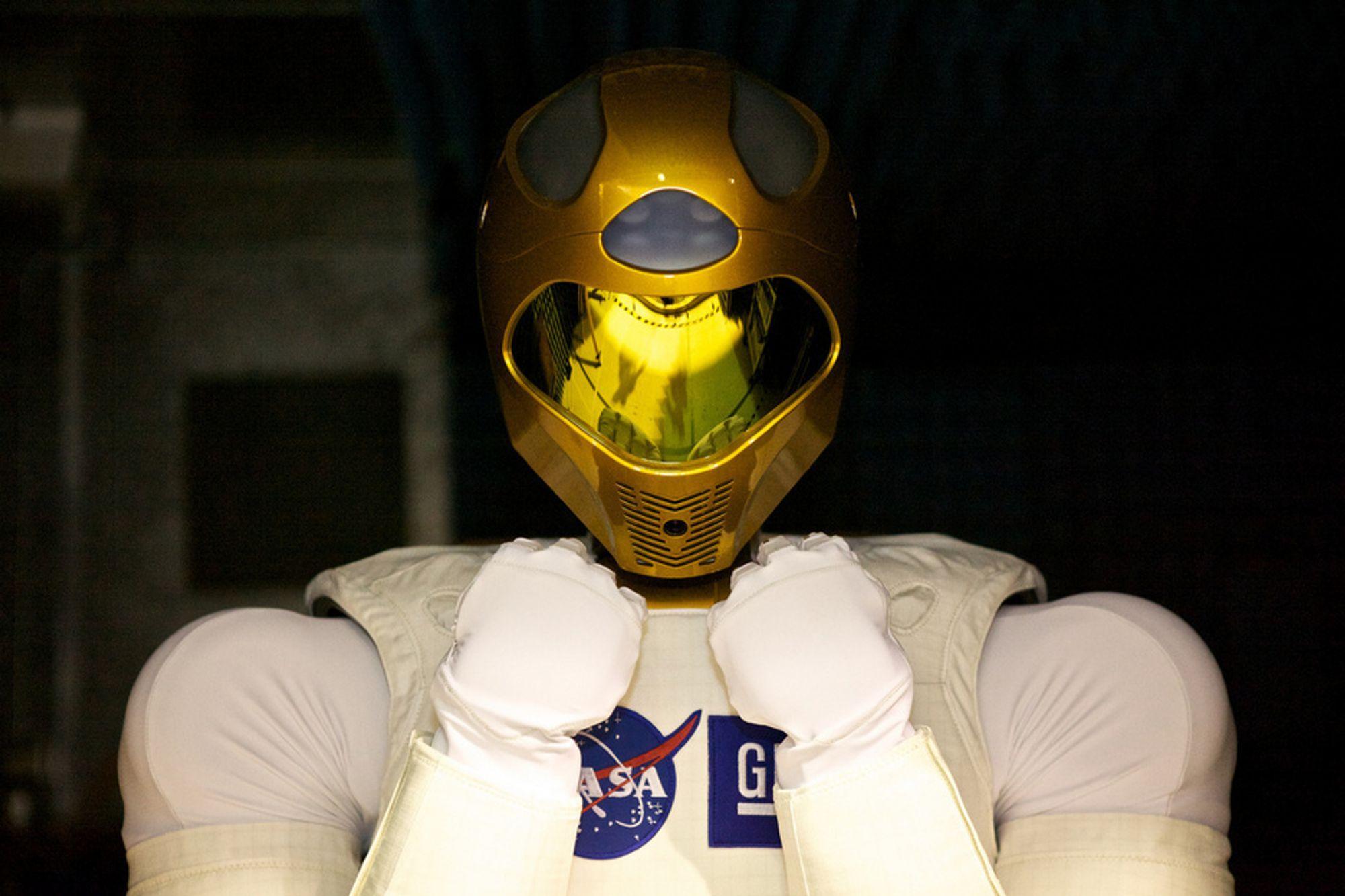 TØFFING: Roboten R2.