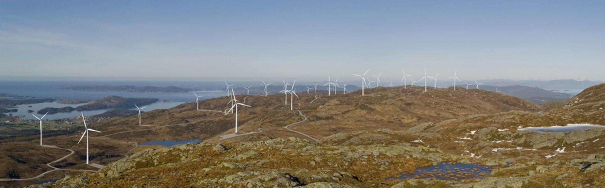 FLERE MØLLER: Slik forventer Midtfjellet Vindkraft at vindparken deres vil se ut. I dag fikk de nesten 350 millioner kroner i støtte fra Enova til prosjektet i Fitjar kommune.